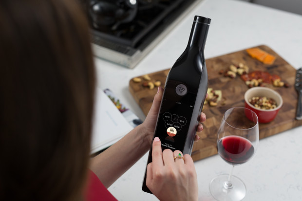 Hot for Yachts – Kuvee Smart Wine Bottle