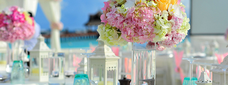 superyacht florist table display near beach